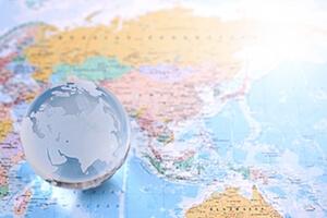 海外への拡散力の強いFacebook向けに多言語対応可能