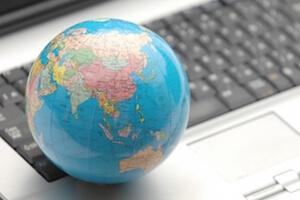 注册・中国語・韓国語を中心に、50カ国語に対応